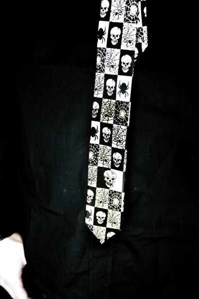 Tie-white/black-spider/web/skull