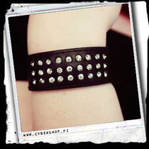 Leather Bracelet -Simple bling curve