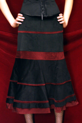 Jupiter -Velvet stripe skirt -Black/red -B/12/2
