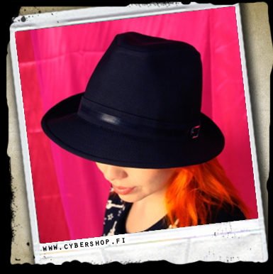 Classic Hat W/ Buckle -black