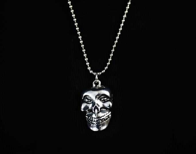 Evil Skull -kaulakoru