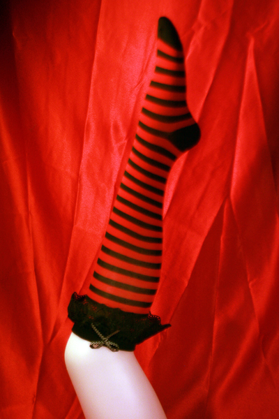 Knee Socks -stripes  Lace W/ Dotted Bow -black/red